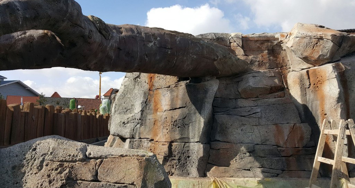 Oxal RM mortars from MC were used to reproduce natural-looking rock, stone and timber surfaces for the numerous intricate sculptures installed at the ENERGYLANDIA theme park.
